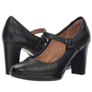 Clark's Bendables Black Leather Heeled Mary Janes